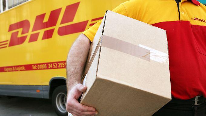 In ganz Deutschland liefert die Deutsche Post Lebensmittel aus.