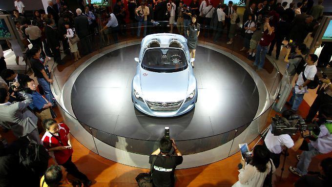 Chinas Automarkt wächst zweistellig, deutsche Hersteller profitieren.