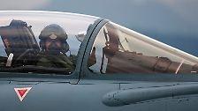 Angriff, Verteidigung und Überwachung: Konkurrierende Kampfjets