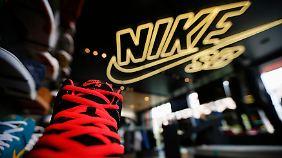 Umsatz und Gewinn steigen: Nike sprintet trotz höherer Preise davon