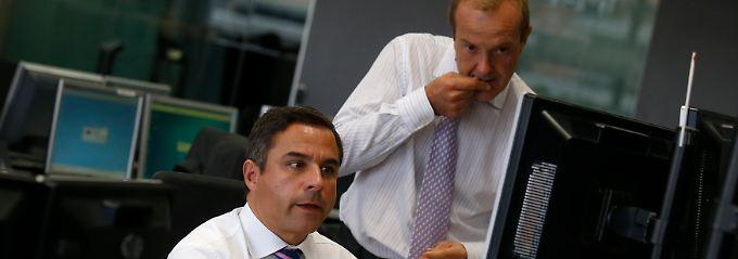 Beginnt der Schuldenwirbel am Kapitalmarkt für Europa nun von vorn? Nervös blicken Händler hier auf die Ergebnisse einer spanischen Bond-Auktion (Archivbild).
