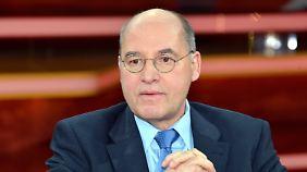 Gysi kennt sich auch in Fernsehstudios aus - er ist ein oft gesehener Talkshow-Gast.