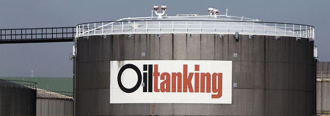 Behälter Nr. 63: Öltank im Hamburger Hafen.