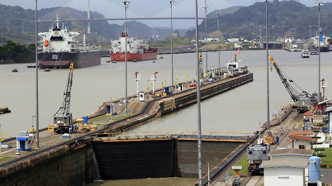 Ein alterndes Nadelöhr des Welthandels: Die Miraflores-Schleusen im Panamakanal zählen zu den Engstellen, die Schiffsgrößen, Frachtkosten und Lieferzeiten festlegen.