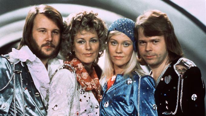"""Gemeinsam nur noch im Museum: Die Mitglieder der schwedischen Popgruppe """"Abba"""" Benny Andersson, Anni-Frid Lyngstad, Agnetha Fältskog und Björn Ulvaeus (v.l.n.r.) beim """"Grand Prix d'Eurovision de la Chanson"""" 1974 im südenglischen Brighton."""