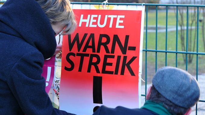 In etlichen Branchen stehen Tarifverhandlungen an - begleitet wohl auch von Streiks.