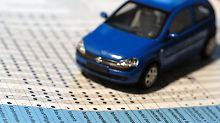 Wer viel unterwegs ist, sollte bei der Kfz-Versicherung an einen Mietwagen-Anspruch denken.