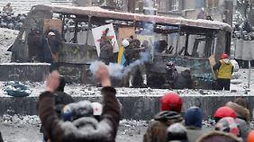 Schüsse in Kiew: Drei Menschen sterben bei Demonstrationen in der Ukraine
