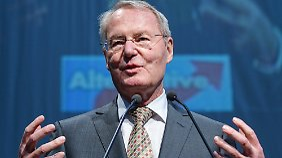 Henkel soll für die Seriosität  der wirtschafts- und währungspolitischen Vorstellungen der AfD sorgen.