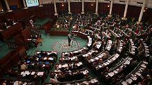 Nach langem Ringen und Streiten: Tunesien verabschiedet neue Verfassung