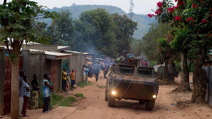 Eine französische Patrouille in den Straßen von Bangui in der zentralafrikanischen Republik.