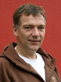 """Jan van Aken: """"Ich würde schon gern wissen, wer ist der echte Herr Gabriel?"""""""