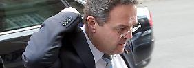 Merkel offenbar stocksauer: Friedrich droht Sturz über die Affäre Edathy