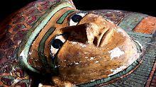 Fundsache, Nr. 1244: Verzierter Holzsarkophag eines Herrschers