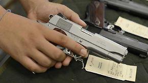 Die Diskussion um Waffen-Gesetze spaltet die USA. Foto: Erik S. Lesser