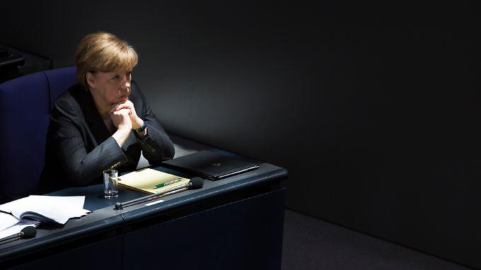 Merkel prophezeit Putin, wohin dessen Kurs führen könnte.