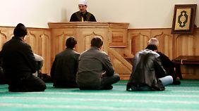 Die muslimisch geprägten Krimtataren beim Freitagsgebet