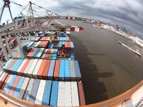 Blick auf den Hamburger Hafen.