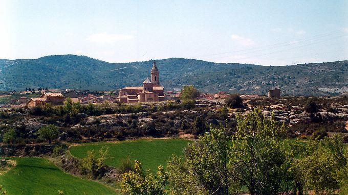 Viele Dörfer in Spanien leiden unter Einwohnerschwund, andere sind völlig verlassen - ein großes Problem in Galicien und Asturien, aber auch in Aragón, wo dieses Bild der Ortschaft Aguavives entstand.