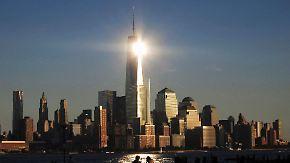 Illegal und gefährlich: Basejumper springen nachts vom World Trade Center