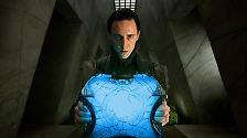 """… mächtigen und faszinierenden Gegnern (Tom Hiddleston als Loki in """"Thor"""") und …"""
