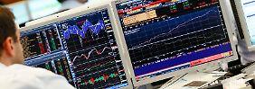 Geschäfte gewaltigen Ausmaßes: Tag für Tag bewegen die Händler am Devisenmarkt ein Volumen von rund 3600 Milliarden Euro.