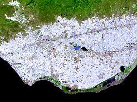Blick aus dem All auf die Gegend um Almería und El Ejido: Die weißen Flächen sind Gewächshäuser.