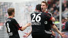 Fix dabei: Leverkusens Stefan Kießling freut sich über sein Führungstor.