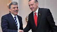 Güls (l.) Erklärung könnte der Türöffner für Erdogan (r.) sein.