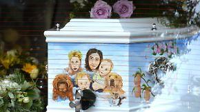 Trauerfeier ohne die Kinder: Familie und Freunde nehmen Abschied von Peaches Geldof