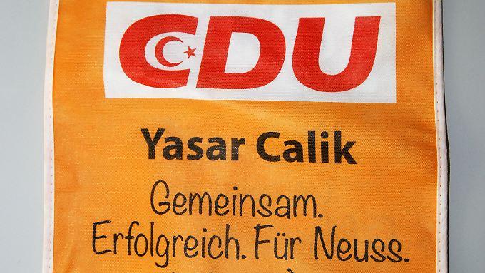 Viel Ärger um ein bisschen Stoff: Yasir Calik ließ 150 dieser Taschen drucken - für Wahlkampfveranstaltungen in türkischen Gemeindezentren und Moscheen.