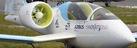 """Dem """"E-Fan"""" gehört die Zukunft: Airbus stellt Elektroflieger vor"""