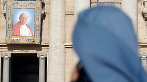 Eine Geheilte berichtet: Zwei Wunder machen Johannes Paul II. zum Heiligen