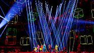 Die Bühnentechnik prunkt jedenfalls mit Millionen Leuchtdioden und …