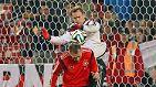 Manuel Neuer (FC Bayern München/28 Jahre/45 Länderspiele): Der Welttorhüter 2013 muss Torwarttrainer Andreas Köpke gar nicht einschüchtern - er ist auch so die unangefochtene Nummer eins im Nationalteam.