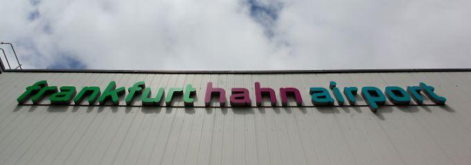 """Mit dem Auto gut eine Stunde westlich von Frankfurt: Der Flughafen """"Frankfurt Hahn"""" liegt näher an Trier als an der Mainmetropole."""