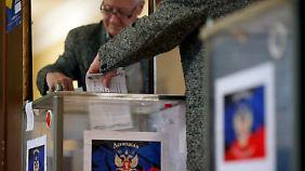 Volksbefragung in der Ostukraine: Separatisten lassen über Unabhängigkeit abstimmen