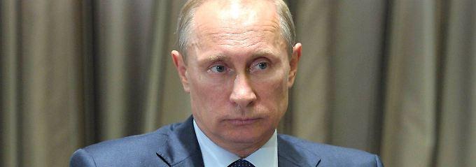 """""""Putins Aussage, er habe kein Interesse daran, die Ukraine als souveränen Staat auseinanderzubrechen, und sein Handeln stehen im Widerspruch zueinander"""", sagt Niels Annen."""
