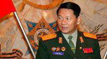 Schweres Flugzeugunglück in Laos: Verteidigungsminister stirbt bei Absturz
