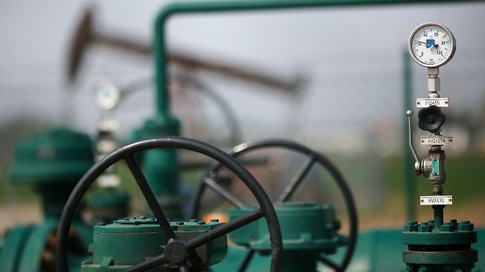 Ölpreis reagiert erleichtert auf Ukraine-Wahl.