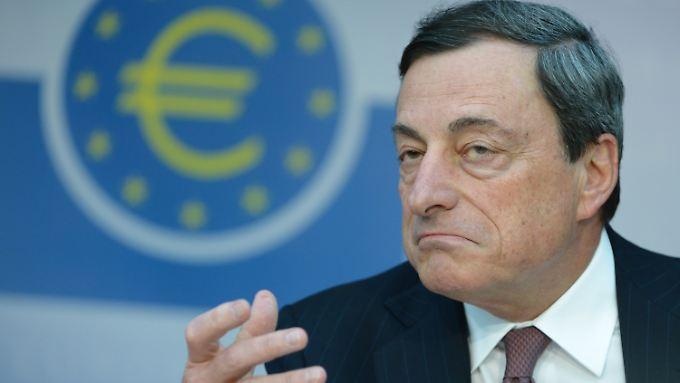 Wird EZB-Chef Draghi die Zinssenkung gegen den Willen der Finanzbranche durchsetzen?