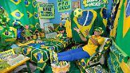 Natürlich nicht. Dem Fußball-Fest in Südamerika fiebert jeder auf seine Weise entgegen.