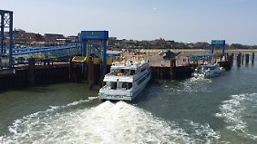 Das Schiff rammte die Pier mit einer Geschwindigkeit von rund 15 km/h.