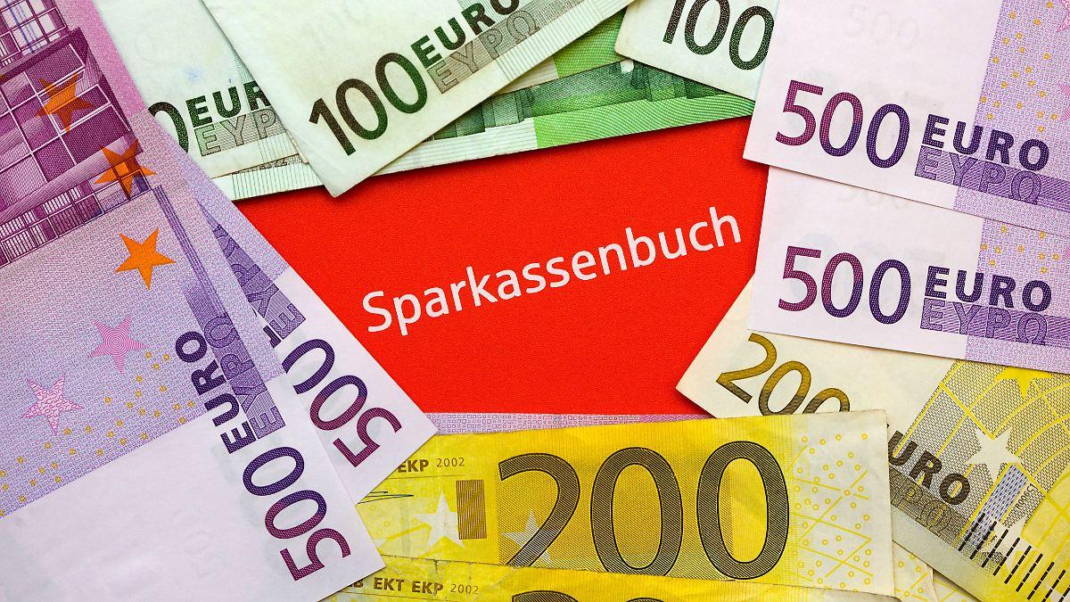 Niedrigzinsen bringen Sparkassen in Not