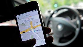 Protest gegen Billigkonkurrenz: Taxifahrer legen europaweit Verkehr lahm