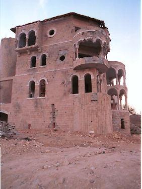 Villen palästinensischer Christen in Beth Dschala dienten Beduinen-Kämpfern als Stellungen und wurden von israelischen Panzergranaten zerstört.
