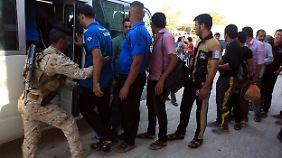 Diese Männer sind bereit, ihre Hauptstadt gegen die Terroristen der Isis zu verteidigen.