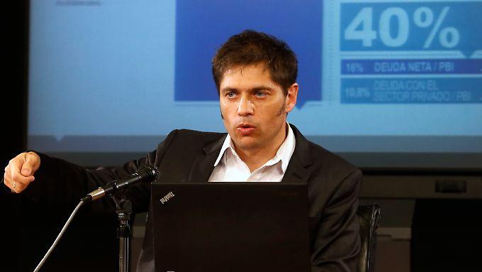 Der große Swap: Wirtschaftsminister Axel Kicillof erläutert das Umtausch-Programm.