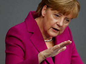 """Angela Merkel: """"Nicht das Recht des Stärkeren wird sich am Ende durchsetzen, sondern die Stärke des Rechts."""""""