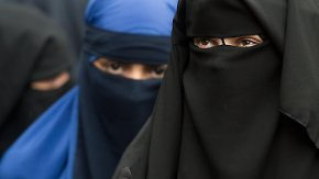 Muslima klagt gegen Frankreich: EGMR entscheidet über Burka-Verbot